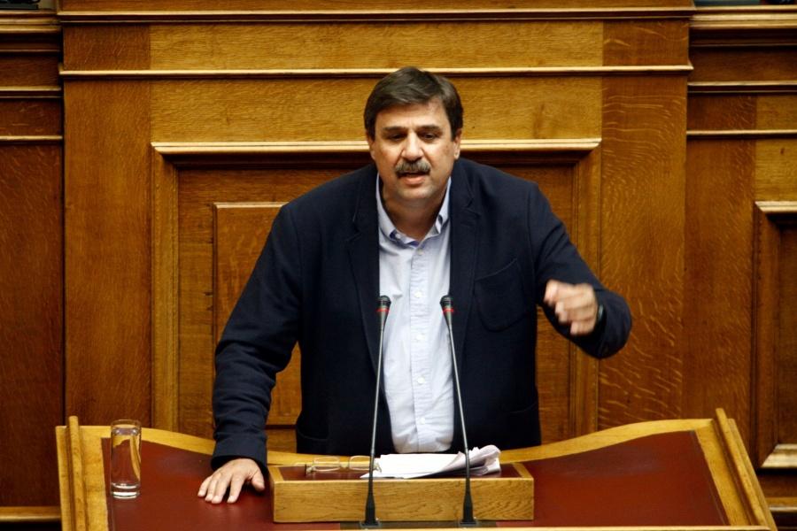 Regling: Η Ελλάδα αναπτύσσεται με υγιή ρυθμό 0,5% - Επωφελείται 10 δισ. ετησίως - Πρόβλημα τα NPLs των τραπεζών