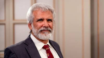 Robert Malone εφευρέτης των εμβολίων mRNA: Στην Ιταλία με κατηγόρησαν ως τρομοκράτη επειδή ασκώ κριτική στα εμβόλια