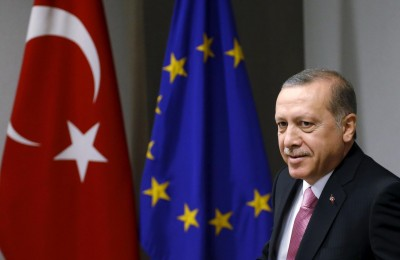 Erdogan: Η ΕΕ πρέπει να σταματήσει «την εκστρατεία μίσους Macron» εναντίον των μουσουλμάνων