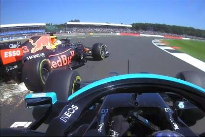 Grand Prix Μεγάλης Βρετανίας: Επαφή ανάμεσα σε Φερστάπεν – Χάμιλτον, εκτός αγώνα ο Ολλανδός! (video)