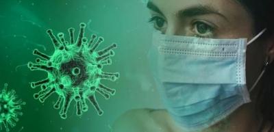 Η υγρασία της μάσκας μας προστατεύει από τον κορωνοϊό λένε οι ειδικοί