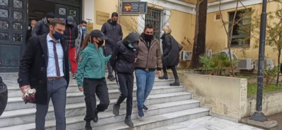 Κρατούμενοι οι δύο νεαροί για τον ξυλοδαρμό του σταθμάρχη του Μετρό