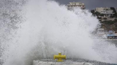 Εξασθενημένος ο μεσογειακός κυκλώνας - Βρίσκεται στην περιοχή μεταξύ Ανατολικής Στερεάς και Νότιου Ευβοϊκού