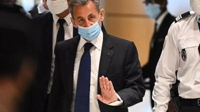 Νέα μπλεξίματα Sarkozy - Ξεκίνησε η δίκη για «υπερβολικές δαπάνες της προεκλογικής του εκστρατείας»