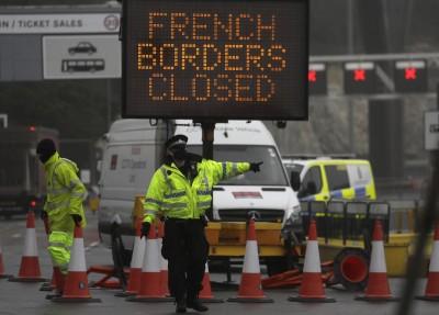 Βρετανία: Συνεργαζόμαστε με τους εταίρους μας για ταχεία άρση της απομόνωσης της χώρας