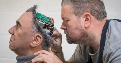 Η Microsoft «ανασταίνει»… νεκρούς – Με τεχνητή νοημοσύνη συντηρεί «στην ζωή» ανθρώπους που έχουν πεθάνει…