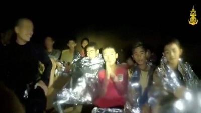Ταϊλάνδη: Οκτώ αγόρια διασώθηκαν από τον λαβύρινθο των σπηλαίων, τώρα όλα εξαρτώνται από τον «θεό της βροχής»