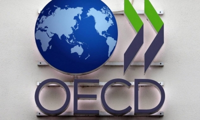 ΟΟΣΑ: Ευνοϊκή η μακροχρόνια τάση του ελληνικού χρέους παρά την πανδημία - Δεν χρειάζονται δημοσιονομικά μέτρα