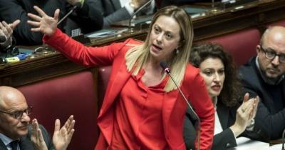 Meloni (Αδελφοί της Ιταλίας): Συμβιβαστική πρόταση για αποχή από την ψήφο εμπιστοσύνης στην κυβέρνηση Draghi