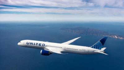 Η United Airlines προσθέτει νέες πτήσεις προς Ελλάδα, Κροατία και Ισλανδία