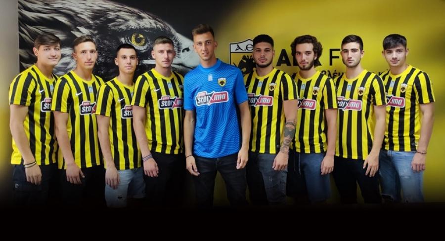 Εννέα επαγγελματικά συμβόλαια για την ΑΕΚ Β!