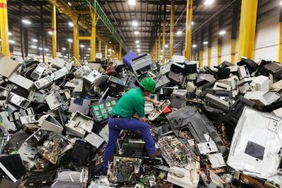 Εκατομμύρια ηλεκτρονικά απόβλητα δεν φτάνουν στην ανακύκλωση