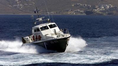 Επιχείρηση του Λιμενικού Σώματος για τον εντοπισμό μέλους πληρώματος φορτηγού πλοίου που πιθανότατα έπεσε στη θάλασσα