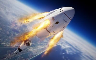 Επέστρεψε στη Γη η διαστημική κάψουλα της SpaceX – Συγχαρητήρια από τον Trump