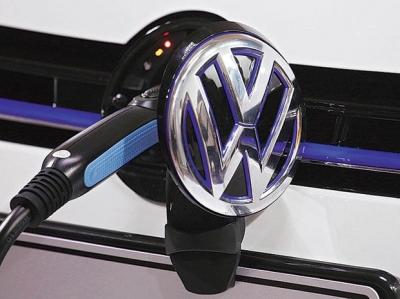 VW: Στόχος το 50% των πωλήσεων από τα ηλεκτροκίνητα οχήματα έως το 2030