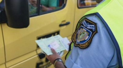 Έλεγχοι της τροχαίας στο οδικό δίκτυο της Αττικής – Βεβαιώθηκαν 262 παρεμβάσεις, αφαιρέθηκαν άδειες και πινακίδες