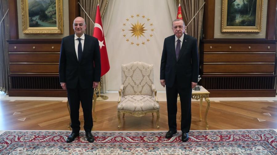 Στη σκιά των προκλήσεων η συνάντηση Δένδια με Erdogan - Παρών και ο Cavusoglu - Μόλις... 45 λεπτά η συζήτηση
