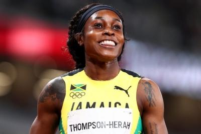 Η Thompson και οι άλλες έξι σπρίντερ που κέρδισαν χρυσό μετάλλιο σε 100 και 200 μ. στους ίδιους Ολυμπιακούς Αγώνες