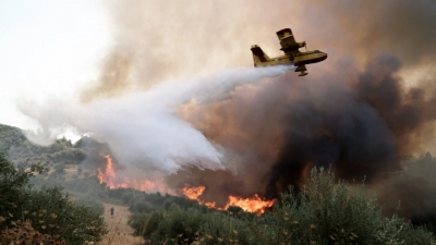 Φωτιά στην Αττική: Μήνυμα από 112 για εκκένωση Σταμάτας, Ροδόπολης και Βαρυμπόμπης