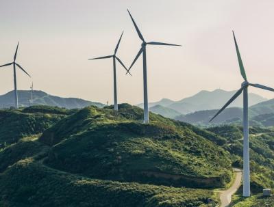 Εκβιαστικές απαιτήσεις Δημάρχων να γίνουν συνέταιροι χωρίς λεφτά απειλούν τις επενδύσεις σε Ανανεώσιμες Πηγές
