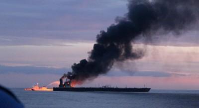 Παραμένει στις φλόγες το τάνκερ New Diamond στη Σρι Λάνκα – Στο πλήρωμα πέντε Έλληνες ναυτικοί
