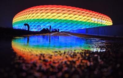 EURO 2020: «Όχι» της UEFA στη... χρωματιστή ΛΟΑΤΚΙ Allianz Arena του Μονάχου - Ανάβουν τα φώτα άλλα γερμανικά γήπεδα