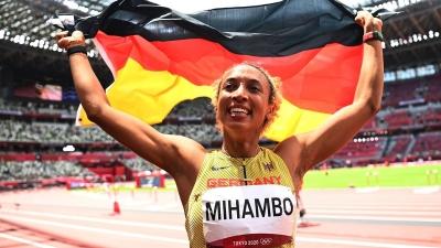 Μαλάικα Μιχάμπο: Κατέκτησε χρυσό μετάλλιο στο μήκος στο τελευταίο της άλμα!