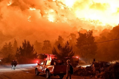 Πύρινος εφιάλτης στην Εύβοια - Νέο μέτωπο προς Αιδηψό - Σε εξέλιξη και η φωτιά στην Ανατολική Μάνη