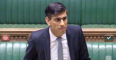 Sunak (ΥΠΟΙΚ Βρετανίας): Επέκταση των μέτρων τόνωσης της οικονομίας για προστασία των θέσεων εργασίας