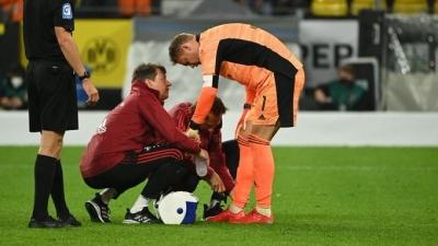 Μπάγερν: Ανησυχία για Νόιερ μετά τον τραυματισμό του στο Σούπερ Καπ Γερμανίας