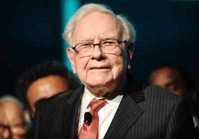 Tι θα αποκαλύψει ο Buffett στην ετήσια επιστολή στις 27/2 προς τους επενδυτές: Οι αγορές, τα «στοιχήματα» και η γραμμή διαδοχής τους