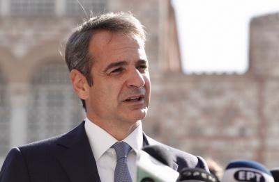 Στην πλατεία Αριστοτέλους ο πρωθυπουργός - Συνομιλίες με πολίτες, βουλευτές και κομματικά στελέχη