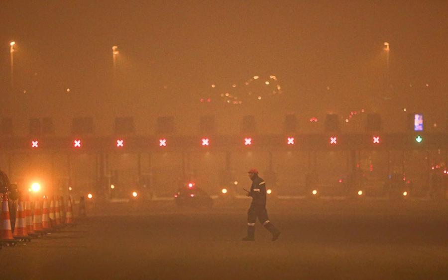 Πύρινη λαίλαπα στη Β. Αττική: Μάχη με τις φλόγες στην Εθνική Οδό  –  Εντολή εκκένωσης σε Καπανδρίτι, Πολυδένδρι και Άγιο Στέφανο