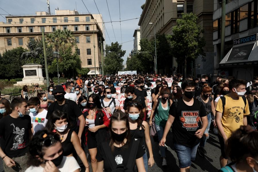 Κόντρα ΝΔ - ΣΥΡΙΖΑ για τις απαγορεύσεις συγκεντρώσεων