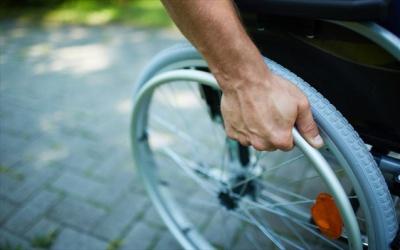 Συνήγορος του Πολίτη: Τα προβλήματα που αντιμετωπίζουν τα άτομα με αναπηρία στην Ελλάδα