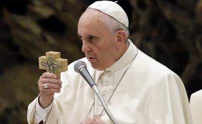 Βατικανό: Ο Πάπας ακυρώνει τις γενικές ακροάσεις του παρουσία πιστών λόγω κρούσματος κορωνοϊού