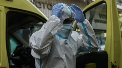 Συναγερμός στις υγειονομικές αρχές - Φόβοι για νέο στέλεχος κορωνοϊού στον Πειραιά