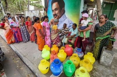 Η Ινδία ξεμένει από νερό - «Δεν περισσεύει ούτε σταγόνα»