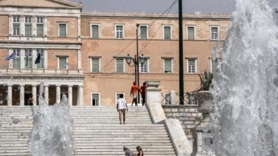 Η Αθήνα φλέγεται – Καμίνι θυμίζει η πρωτεύουσα
