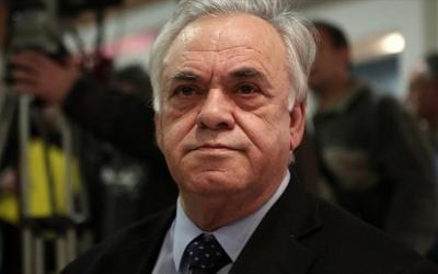 Δραγασάκης στην ΚΕ του ΣΥΡΙΖΑ: Να αντιμετωπιστεί η διάχυτη, μεσαία διαπλοκή