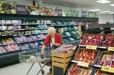 Οι βρετανικές αλυσίδες σούπερ μάρκετ επιστρέφουν φοροαπαλλαγές 1,8 δισ. στερλίνες