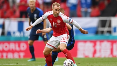 H στιγμή της κατάρρευσης του Έρικσεν στο γήπεδο της Κοπεγχάγης (video)