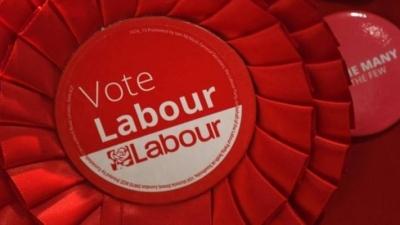 Βρετανία: «Εμφύλιος» στους Εργατικούς μετά την ήττα» στις εκλογές - Την καρατόμηση της Αντιπροέδρου, ακολουθούν ανακατατάξεις
