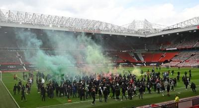 Βρετανία: Η Manchester United τιμωρεί οπαδούς της για συμμετοχή στα βίαια επεισόδια