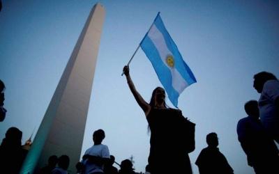 Η οικονομική κρίση γονατίζει τη μεσαία τάξη της Αργεντινής