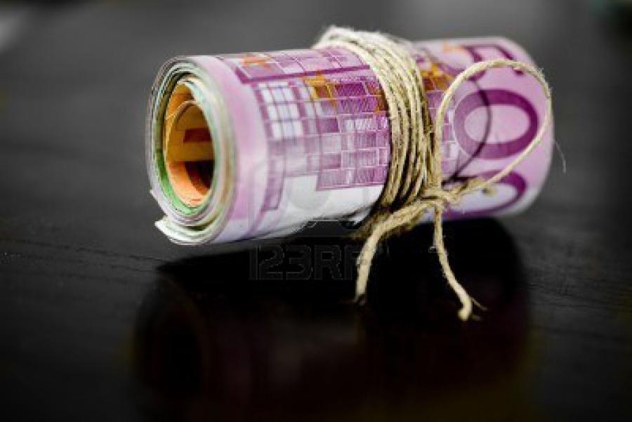 Επικίνδυνη εξέλιξη η ομηρία της Ελλάδος με χρέος, τράπεζες, πλεονάσματα – Δεν θα εκπλήξει η οικονομία τα προσεχή έτη