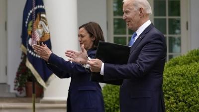 Joe Biden: Αν έχετε εμβολιαστεί πλήρως, βγάλτε τις μάσκες σας! Θα χαμογελάσουμε ξανά
