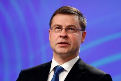 Dombrovskis (ΕΕ): Ζητάμε 6μηνη αναστολή δασμών μεταξύ ΗΠΑ και ΕΕ για να σωθούν οι οικονομίες