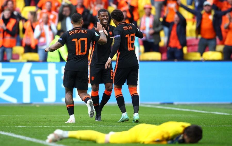 ΕURO 2020, Bόρεια Μακεδονία - Ολλανδία 0-3: Αήττητοι και αεράτοι οι «Οράνιε» στους