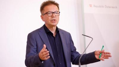 Anschober (Αυστρία): Το παγκόσμιο πρόγραμμα εμβολιασμού θα βάλει φρένο στην πανδημία